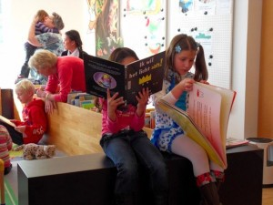 kinderen lezen  na pres. oost