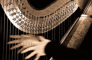 harp-&-hands-toned