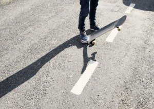 2015-03-Life-of-Pix-free-stock-photos-feet-road-skateboard-julien-sister