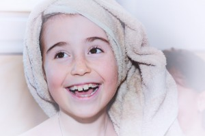 child-girl-face-towel-37924