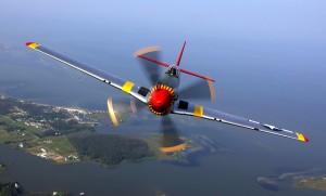 aircraft-67566_640
