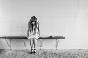 worried-girl-413690_640